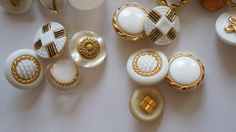 mix buttons set white gold 65 pieces different MEDIUM decorative buttons for decoration to sew sweet cute buttons mix