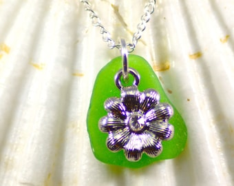 Genuine green sea glass necklace with flower charm / flower necklace / real sea glass jewelry / gift for gardener / beach glass necklace