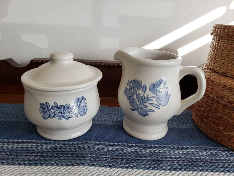 Pfaltzgraff Yorktowne Stoneware Creamer and Covered Sugar Bowl image 0