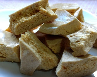 Old Fashioned Toffee Sponge, Toffee Sponge, Honeycomb Toffee, Toffee, Honeycomb Candy, Sponge Candy, Angel Food Candy