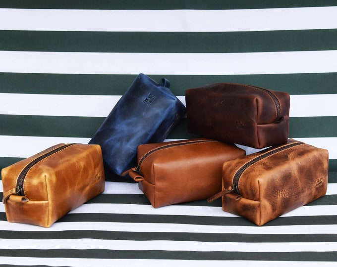SALE !! Leather Dopp Kit Groomsmen Gift Customize Leather Toiletry Bag Men's Leather Custom Dopp Kit Third Anniversary Gift Leather Gift