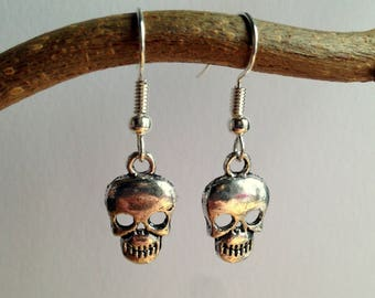 Tattoo Lover Silver Skull Earrings / Goth Jewelry / Halloween Outfit