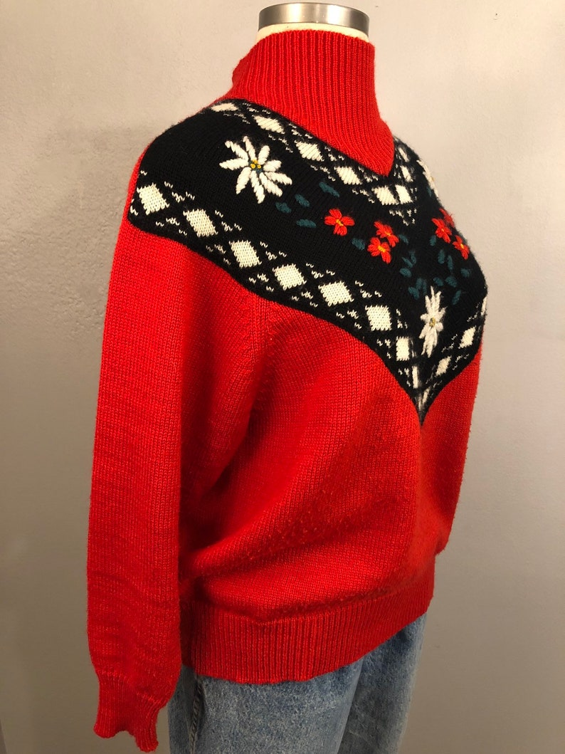 Oversized Vintage Alpine Folkloric Sweater Vintage Ski Sweater 1980s 1970s Sustainable Clothing Floral Knit Androgynous