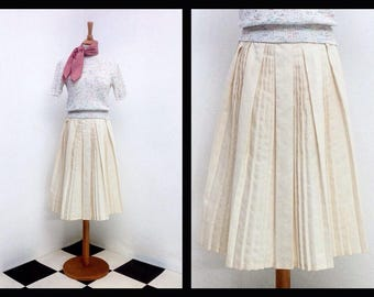 vintage off-white platted skirt