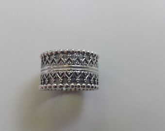 """Silver """"crowns"""" ring"""
