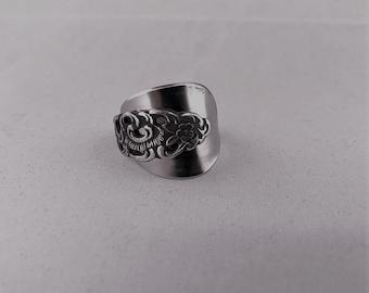 Teaspoon ring