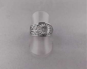 Silver-plated teaspoon ring flower