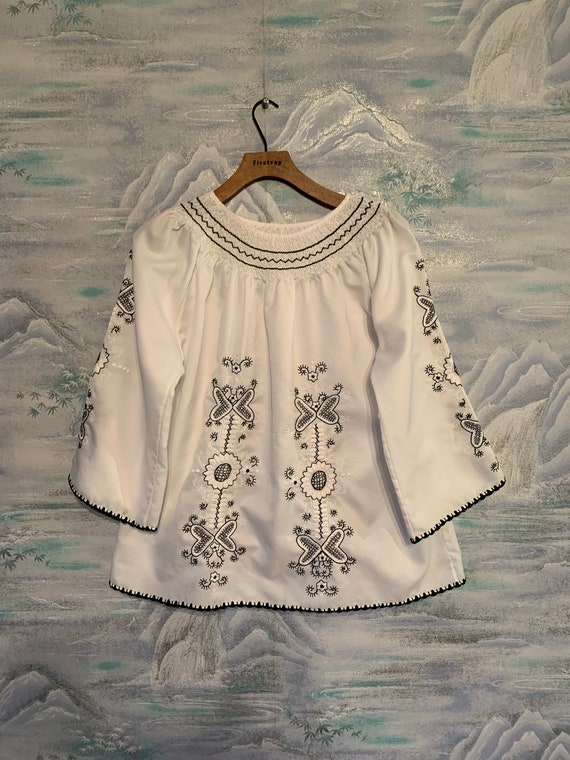White boho Blouse Peasant blouse Summer Embroidere