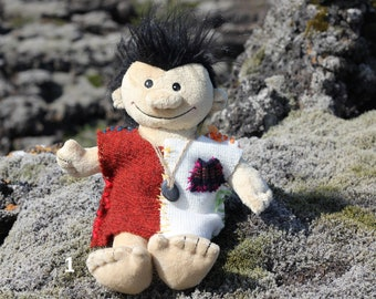 SoBo 33cm, Troll with magic pebble, from the HiddenWorld of Iceland