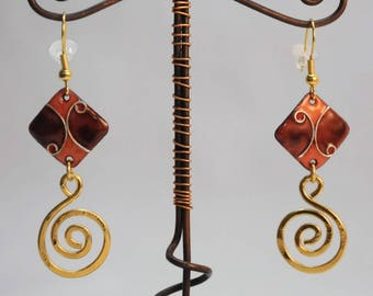 Enamel cloisonné, Brown and orange threads scrollwork earrings