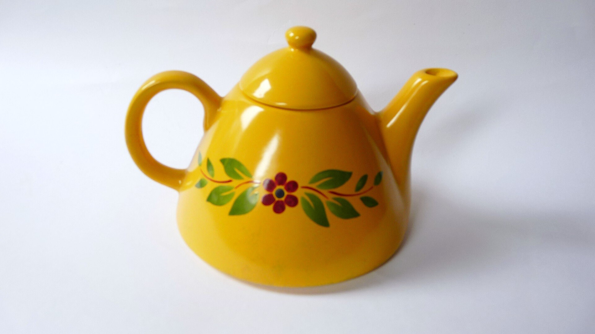 Vintage Yellow Teapot from CHRISTINEHOLM DESIGN STUDIO Sweden   Etsy