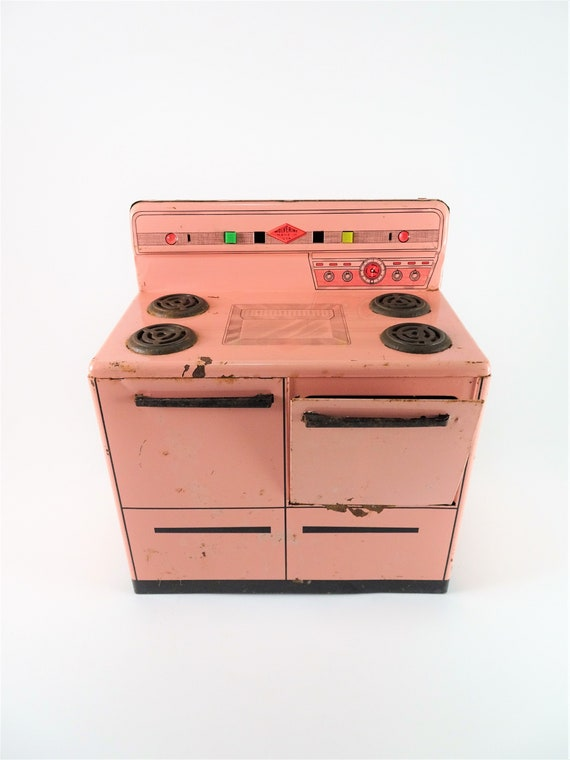 Vintage Wolverine Pink Stove, Childs Stove Oven, Vintage Toy, Toy Stove  Oven, Tin Oven, Play Kitchen, Pretend Play, Collectible Toy Stove