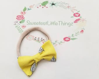 Yellow leaf spring baby bow