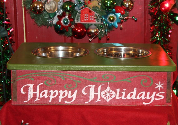 Holiday Christmas Wood Soda Crate Dog Feeder with Bowls