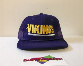 New Dead Stock Vintage 1990s Minnesota Vikings NFL Purple Sports  Specialties Snapback Trucker Hat 3c25ed50d