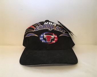 1bc6bdb99a8da New Dead Stock Vintage 1998 Chicago Bulls NBA Champions 91 92 93 96 97 98  Starter Locker Room Hat with Original Tags