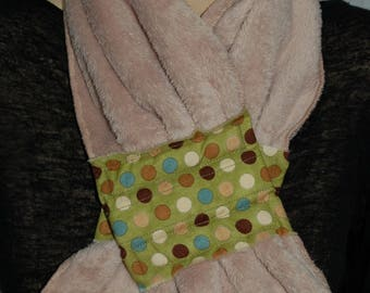 Ultra soft fleece with 118 magnetic closure scarf