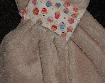 """Beige fleece fabric band """"cupcakes"""" magnetic closure scarf"""