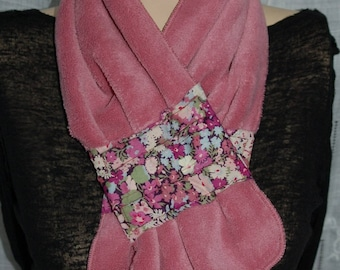 Magnetic closure scarf pink fleece fabric flowered band