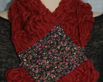 Merino and cashmere fabric and rusty magnetic closure scarf flowers