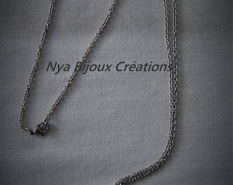 Necklace with a mechanical seed