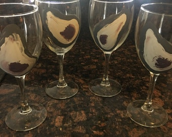 Oyster Painted Wine Glasses