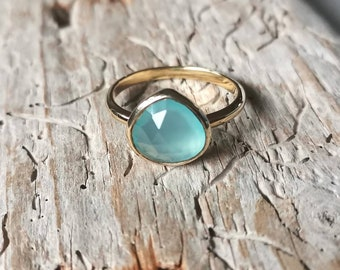 Ring gold plated drops pink water blue