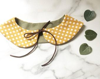 Reversible peterpan collar