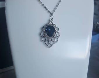 Tear drop Flower petal necklace/keyring