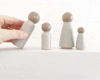 Simple family Peg Doll Set