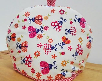 Highly insulating tea cosy