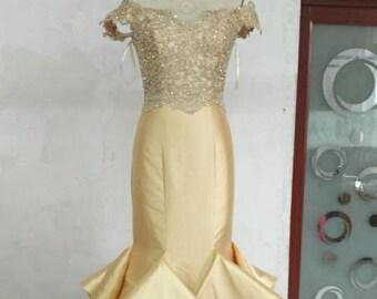 Beautiful Mermaid Pageant Prom dress ruffles