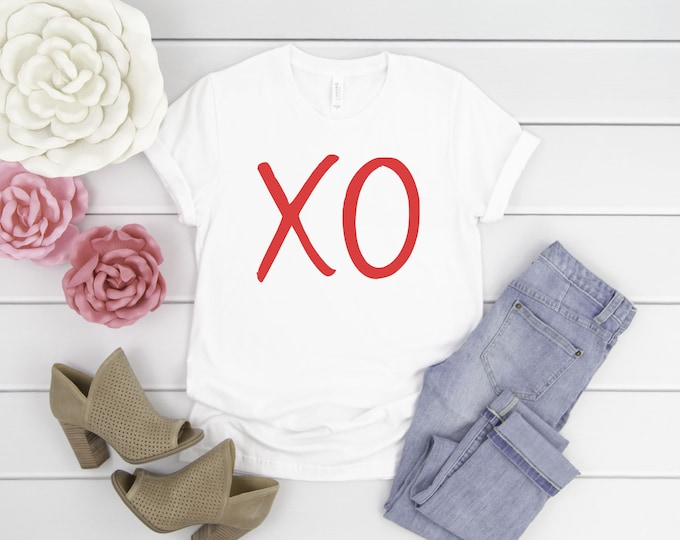 XO, Valentines Shirt, Womens Graphic Tee, Kisses and Hugs, Valentines Day Tshirt