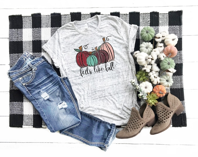 Feels Like Fall, Pumpkin Shirt, Colorful Pumpkins, Fall Shirt, Autumn Womens Graphic Tee