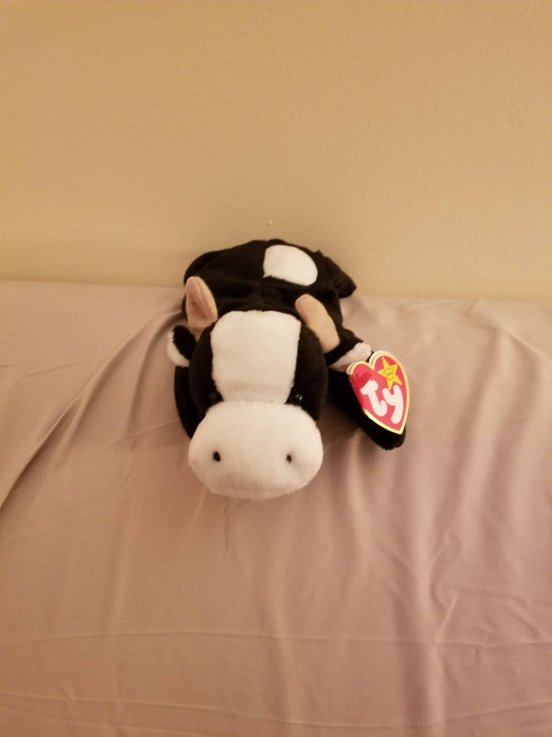 6b64a9b36b7 TY Beanie Babies Daisy the Black and White Cow  Retired 1998