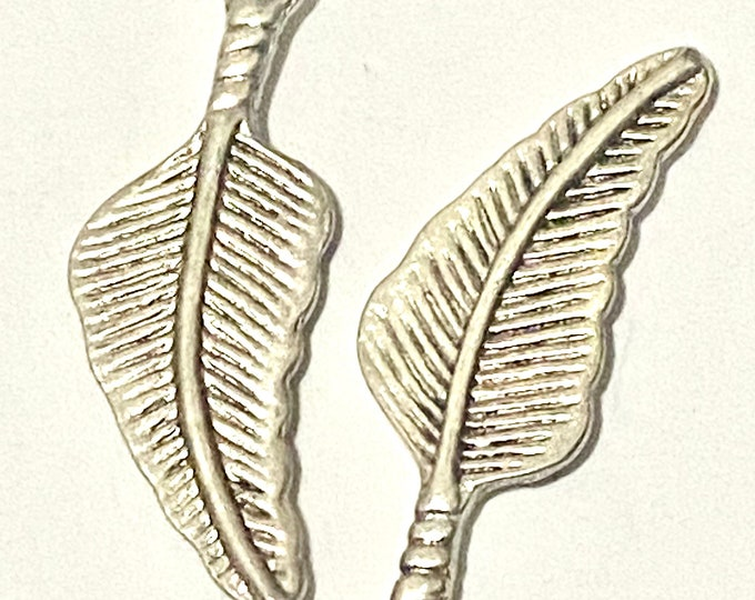 31x11mm Leaf Pendant Antique silver Pendant DIY Findings for Jewelry Making.