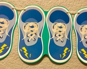 fc84fe77b2bd Sneaker garland