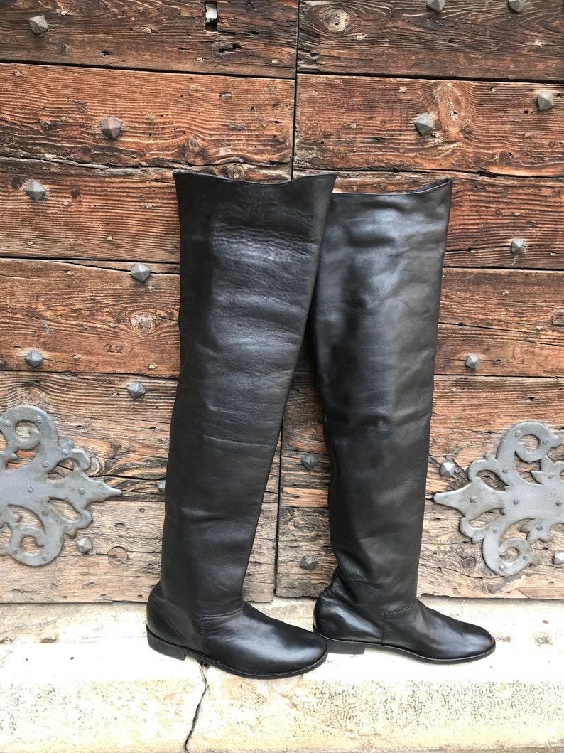 83d192dd5f15f Historical boots over the knee