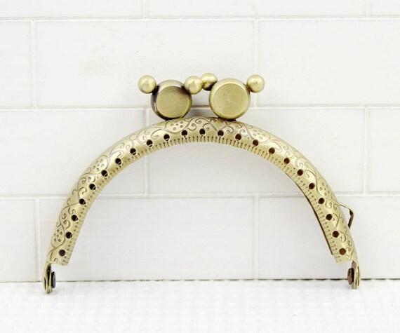 1Pc Clutch Frame Box Purse Box Bag Purse Frame Handbag Frame Metal Coin Sewing Frame Clasp CAE-M502