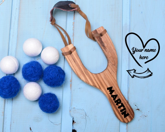 Personalized Wood Slingshot 17.5 cm , Wooden Slings hot, Toy Wooden Slingshot, Classic Catapult Toy, Sling Shot with felt ball ammo