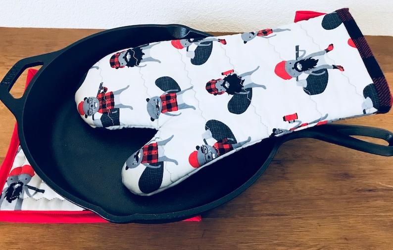 Burly Beavers Oven Mitt /& Pot Holder Set,Unisex Kitchen Gift,Lumberjack Gifts,Buffalo Plaid Pot Holder,Oven Mitt,oven mitts and pot holders,