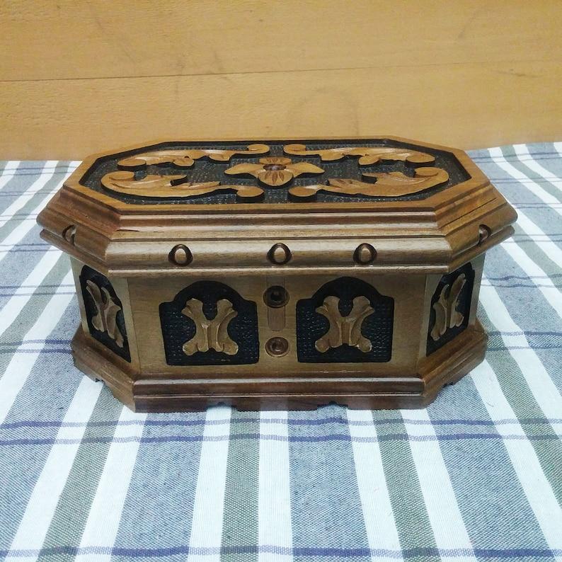 Velvet wood jewelry box Wooden jewelry box Memory box Wooden ring box Engraved jewelry box Custom wood box Wooden keepsake box