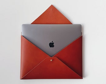 """Leather Laptop Envelope, Macbook Pro 13"""" 15"""" Case, Personalised Handmade Notebook Cover, Clutch, Tan Brown, Minimalist, Fathers Day Gift"""