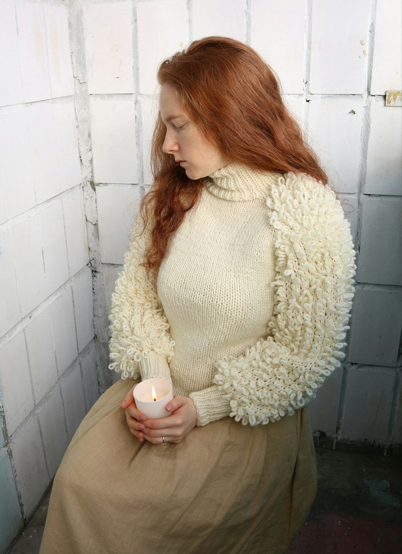 fa6a5a48a01 Sweater with loopy sleeves suéter tweed furry sweater