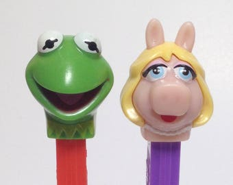 Sesame Street Muppets Three Pez collection - RETIRED - LOT of 2 - Kermit and Miss Piggy