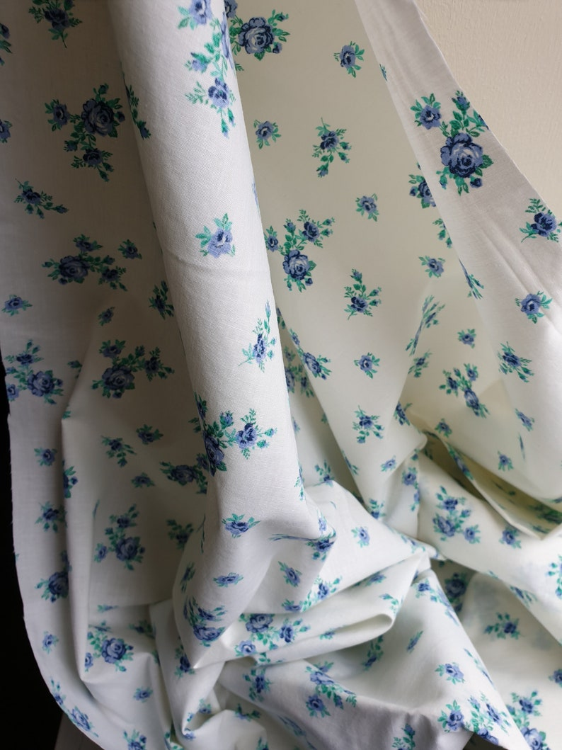Vintage cotton blue rose print floral dressmaking fabric material 1990s 1980s