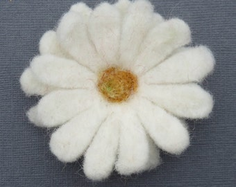 Felted Wool Daisy Flower with Green Felted Stem