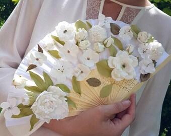 Éventail pour mariée, bouquet de mariage blanc original, fleurs éternelles modelées une par une à la main, rose, oeillets, seringa....