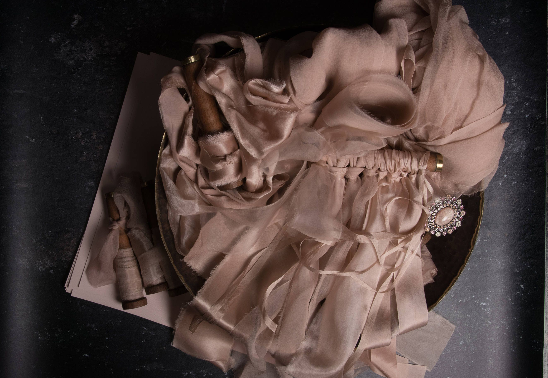 Bespoke Blush ruban style lot parfait pour papier coiffure, blog mariage. coiffure, coiffure mariage. blog Comprend 7 rubans de soie a6b801