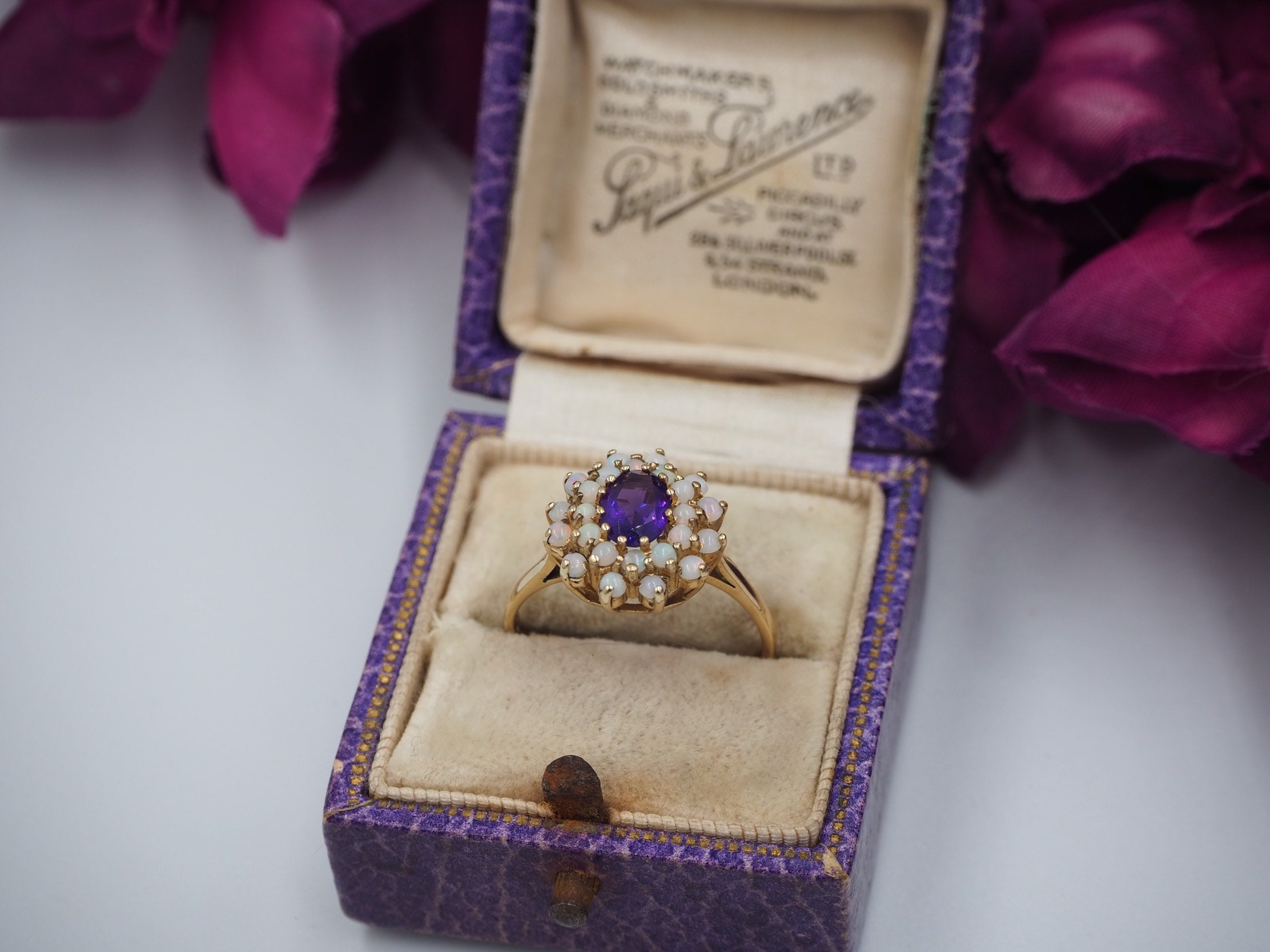 A Classic Amethyst And 9ct Gold Ring   SKU1687